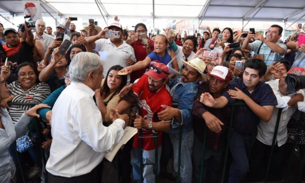 Andrés Manuel López Obrador en un mitin en SLP