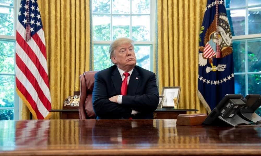 Donald Trump en su oficina en la Casa Blanca