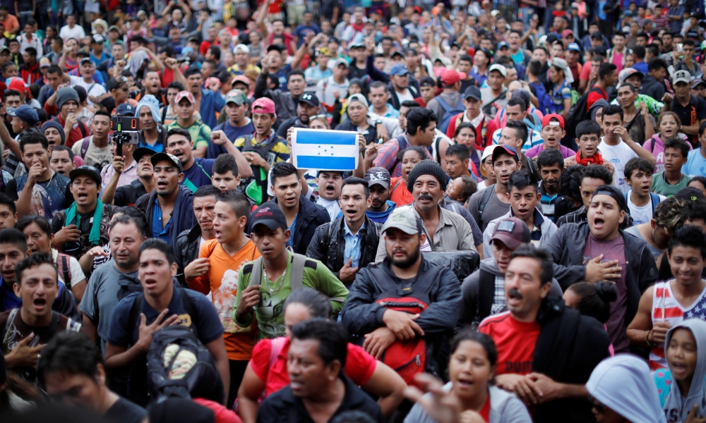 Migrantes hondureños en Guatemala, cerca de la frontera con México