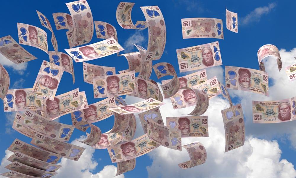 Peso pierde terreno frente al dólar