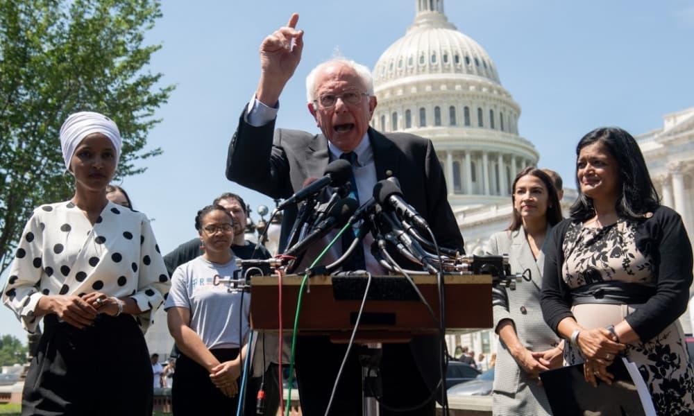 Bernie Sanders propone perdonar deuda estudiantil
