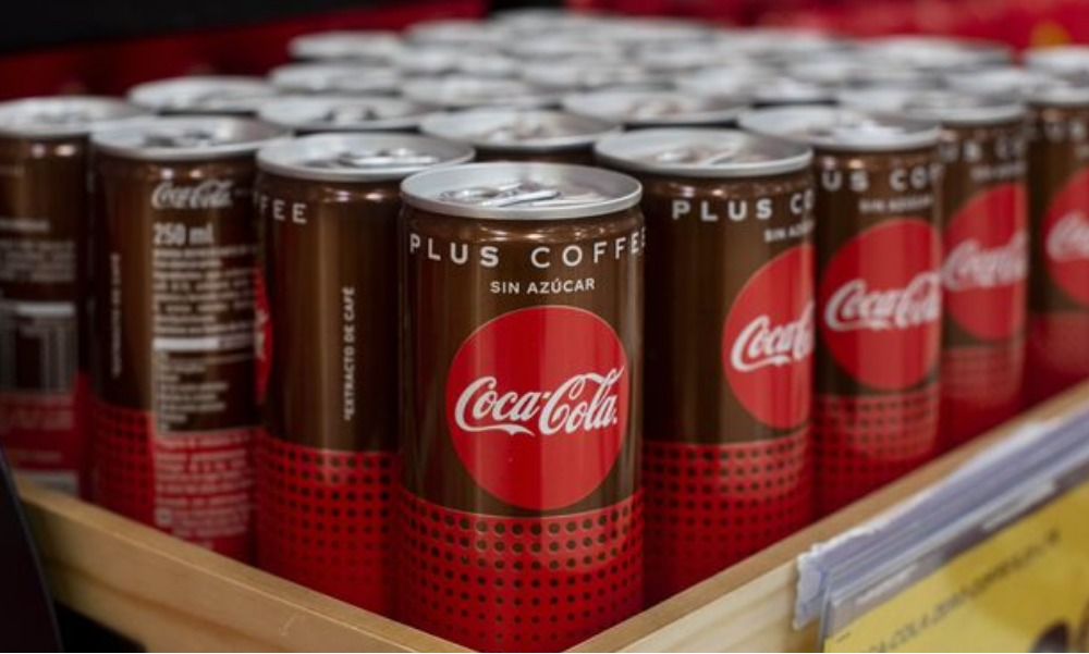 Bebida alcohólica de Coca Cola saldrá a la venta en octubre