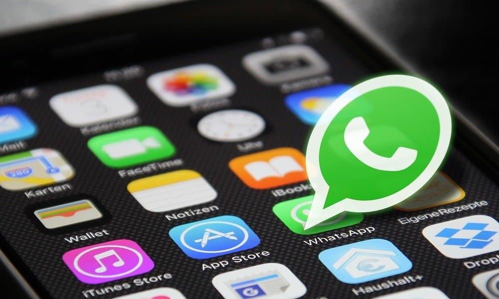 WhatsApp lanza chatbot en español para frenar desinformación
