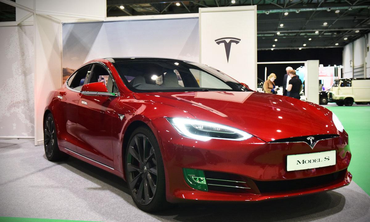 Tesla acciones Wall Street