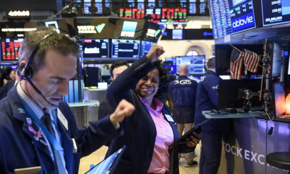 Dow Jones logra su mayor avance desde julio