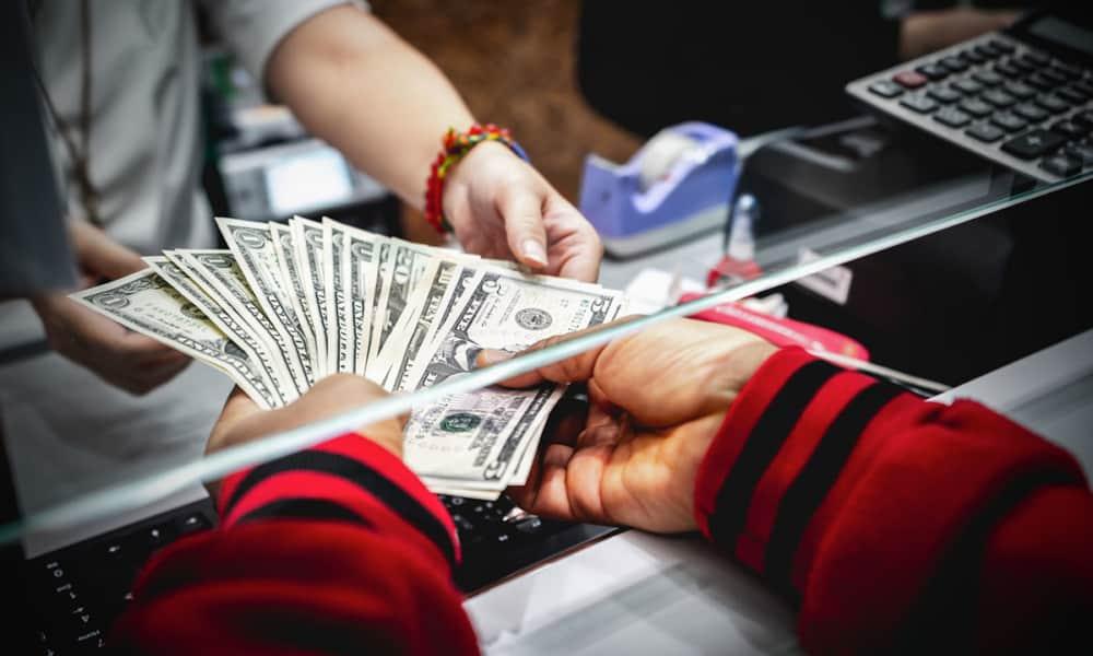 Dólares físicos o tracs