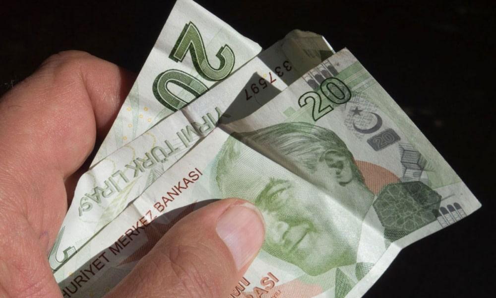 lira turca mínimo histórico